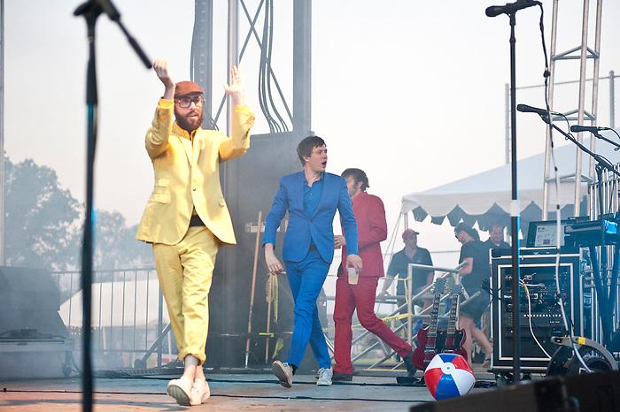 OK GO @ O'Fallon Heritage & Freedom Festival 7.4.2011