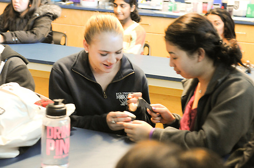 Orthopedic Surgeon Gives Presentations to Anatomy and Physiology Classes