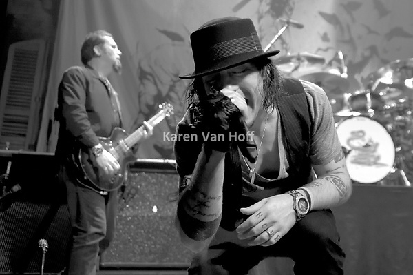 Photo Slideshow From the New Orleans House of Blues Show
