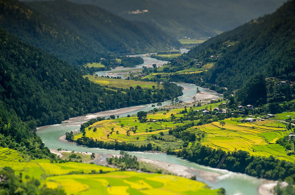 PUNAKHA, BHUTAN - CIRCA October 2014: View of mountain range and valley in Punakha, Bhutan (Daniel Korzeniewski)