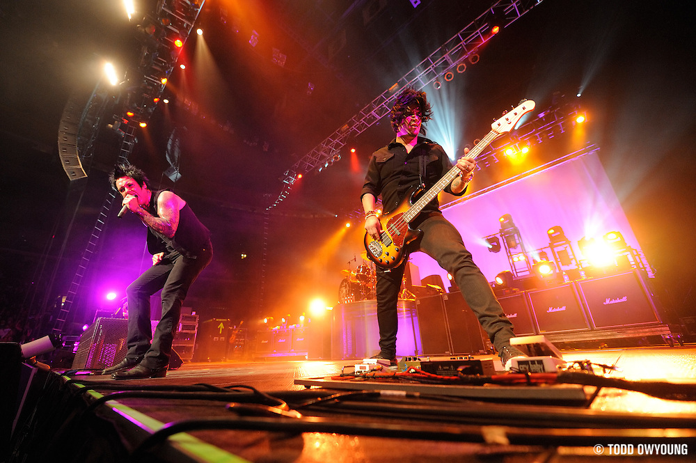 Photos of Papa Roach performing at the Scottrade Center in St. Louis on December 13, 2009. (Todd Owyoung)