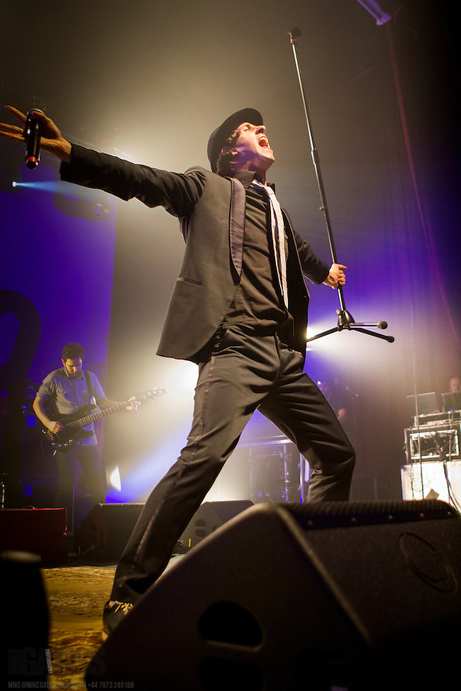 Maximo Park performing live at HMV Ritz, Manchester, Greater Manchester, 2012-11-06 (Mike Gatiss / Music Pics)