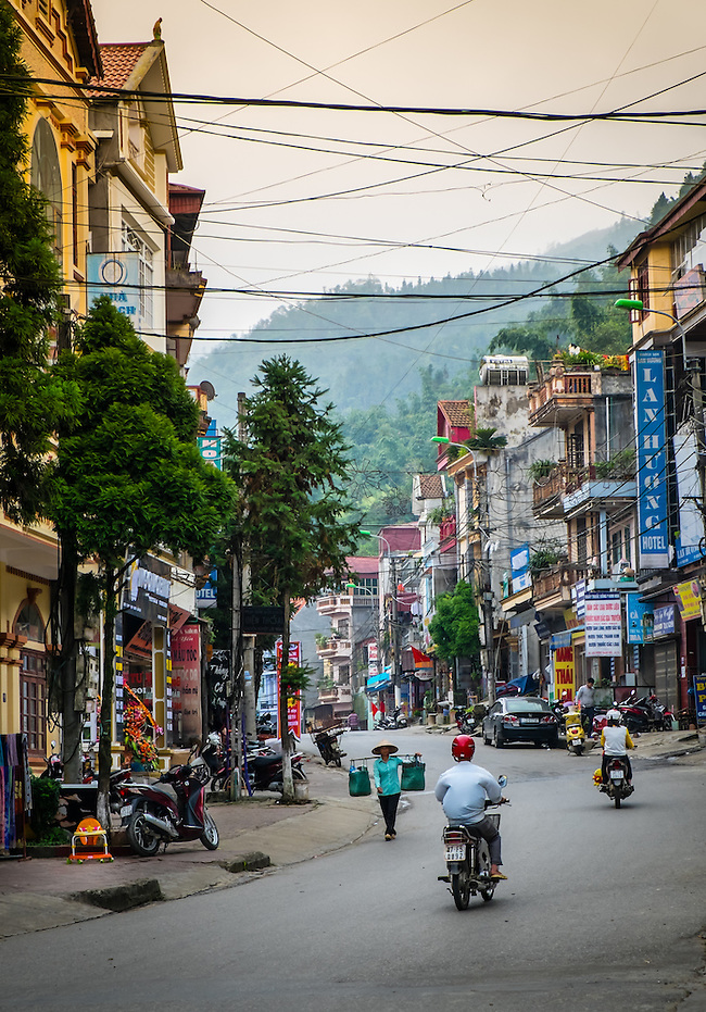 SAPA, VIETNAM - CIRCA SEPTEMBER 2014:  Typical street of Sapa Town in North Vietnam (Daniel Korzeniewski)