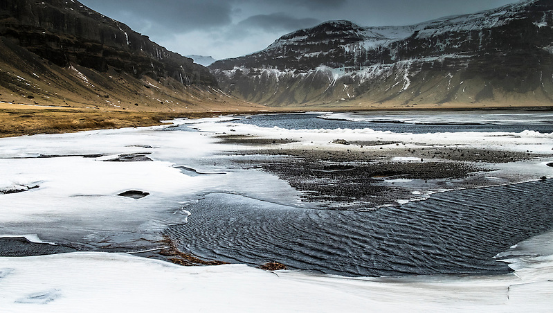 Frozen water at Myrdalsandur, Iceland (F.J.Fdez Bordonada)