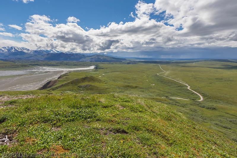 Denali National Park, Alaska. (Patrick J Endres / AlaskaPhotoGraphics.com)