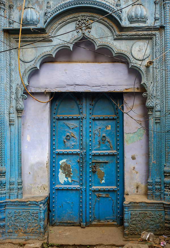 NEW DELHI, INDIA - CIRCA OCTOBER 2016: Old door in Delhi. (Daniel Korzeniewski)
