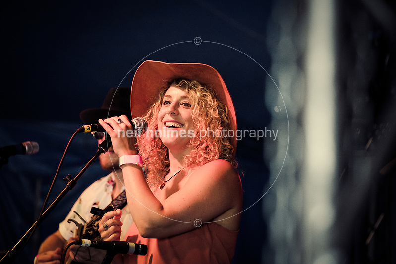 Beverley Racecourse, Beverley, East Yorkshire, United Kingdom, 18 June, 2017. Pictured: Lauren Housley, Beverley Folk Festival (Neil Holmes)