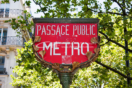 metro sign Paris France in May 2008 (Christopher Holt LTD - LondonUK, Christopher Holt LTD/Image by Christopher Holt - www.christopherholt.com)