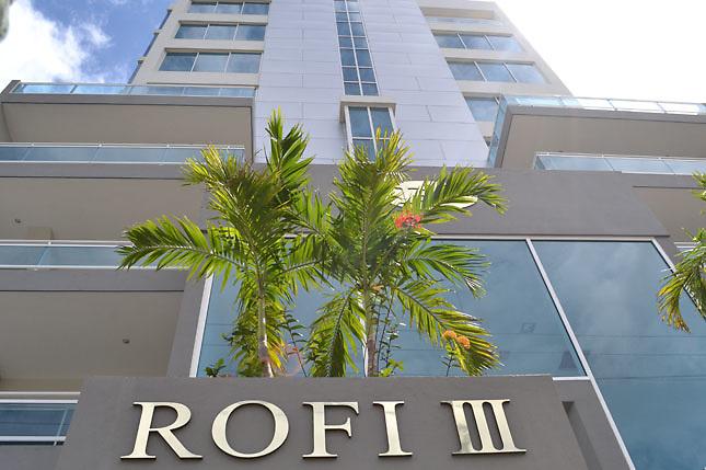 Una de las lujosas torres levantadas por Inmobiliaria Rofi, de Félix Bautista