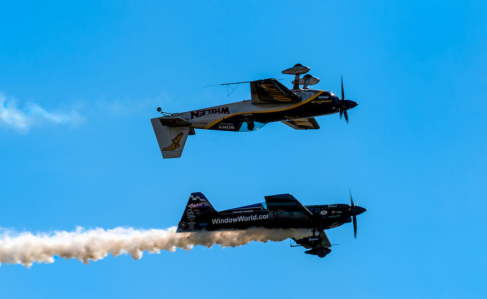 HOMESTEAD, FL - NOVEMBER 5, 2012: Airplaines performing and doing aerobatics demonstration during the Wings over Homestead Air Show, taken November 5 of 2012 (Daniel Korzeniewski)