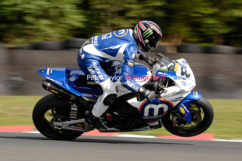 2009 ViSK British Superbike Championship.Oulton Park, Cheshire, United Kingdom.  2/3/4 May 2009.(8) - Graeme Gowland (GBR) - Yamaha - Motorpoint / Henderson Yamaha..World Copyright: Peter Taylor/PSP (Taylor/PSP)