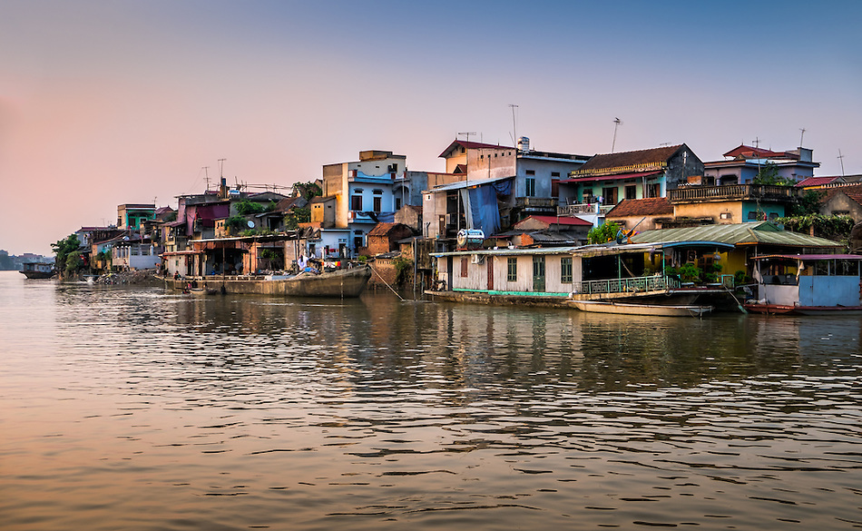 VAN HA, VIETNAM - CIRCA SEPTEMBER 2014: Lang Gom Tho Ha village. The village belongs to the Van Ha commune, it is located 50km away from Hanoi in Northern Vietman (Daniel Korzeniewski)