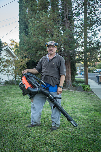 Professional gardener Mauricio Gongonzalez-Nungaray takes a break from his work on an unusually warm November evening in Martinez (Clark James Mishler)
