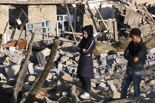 Muertos por sismo en Irán ascienden a 227 y los heridos a 1,380
