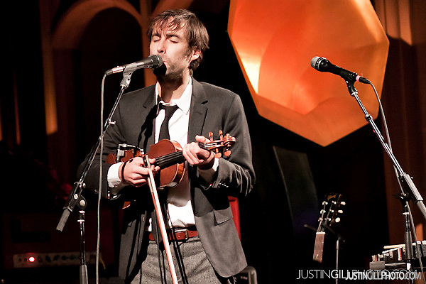 Andrew Bird Gezelligheid concert at Fourth Presbyterian Church Chicago (Justin Gill)