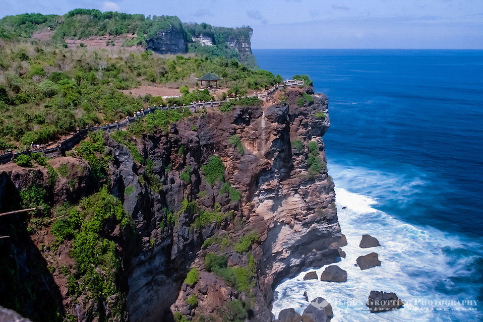 Bali, Badung, Uluwatu. Cliffs straight up from the ocean. Among the cliffs there are beaches famous for good surfing conditions. (Bjorn Grotting)