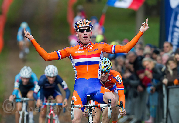 03 NOV 2012 - IPSWICH, GBR - Mike Teunissen (NED) (centre) of the Netherlands celebrates winning the Under 23 Men's European Cyclo-Cross Championships in Chantry Park, Ipswich, Suffolk, Great Britain ahead of team mate Corne van Kessel (NED) (right) and Julian Alaphilippe (FRA) (second from left) of France .(PHOTO (C) 2012 NIGEL FARROW) (NIGEL FARROW/(C) 2012 NIGEL FARROW)