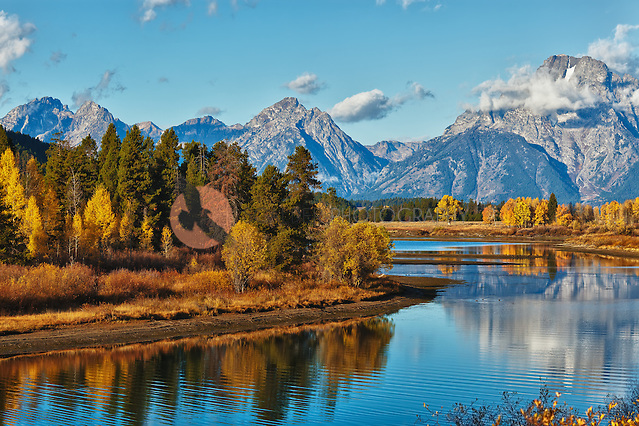Ox Bow Bend in Teton National Park in autumn (sandra calderbank)