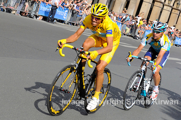 Tour de France 2009, won by Alberto Contador of Astana, arrives on the circuit of the Champs Elysees and Rue de Rivoli in Paris (Simon Kirwan)