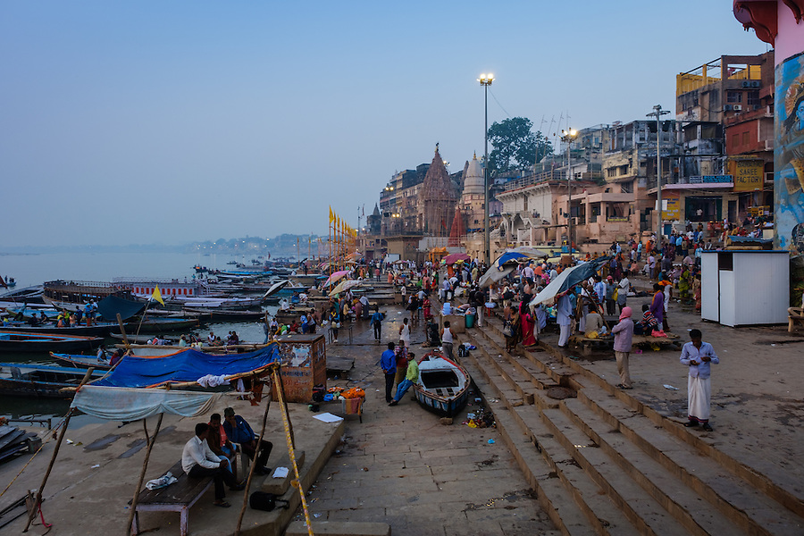 VARANASI, INDIA - CIRCA NOVEMBER 2016: Dasaswamedh Ghat in the Ganges river early morning. The city of Varanasi is the spiritual capital of India, it is the holiest of the seven sacred cities in Hinduism and Jainism. The Ganges is also considered a sacred river. (Daniel Korzeniewski)