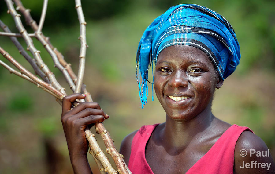 "Marion Zenneh, 23, is one of several dozen women who work together to grow cassava on a six-acre farm in Mount Barclay, Liberia. The income-generating project, called ""Say No to Poverty,"" is administered by the National Federation of Women Employees and Allied Workers, with financial support from United Methodist Women. (Paul Jeffrey)"