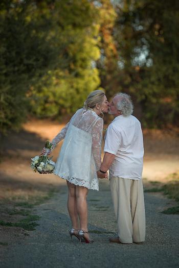 Van and Nicki's wedding in Calistoga, California (© Clark James Mishler)