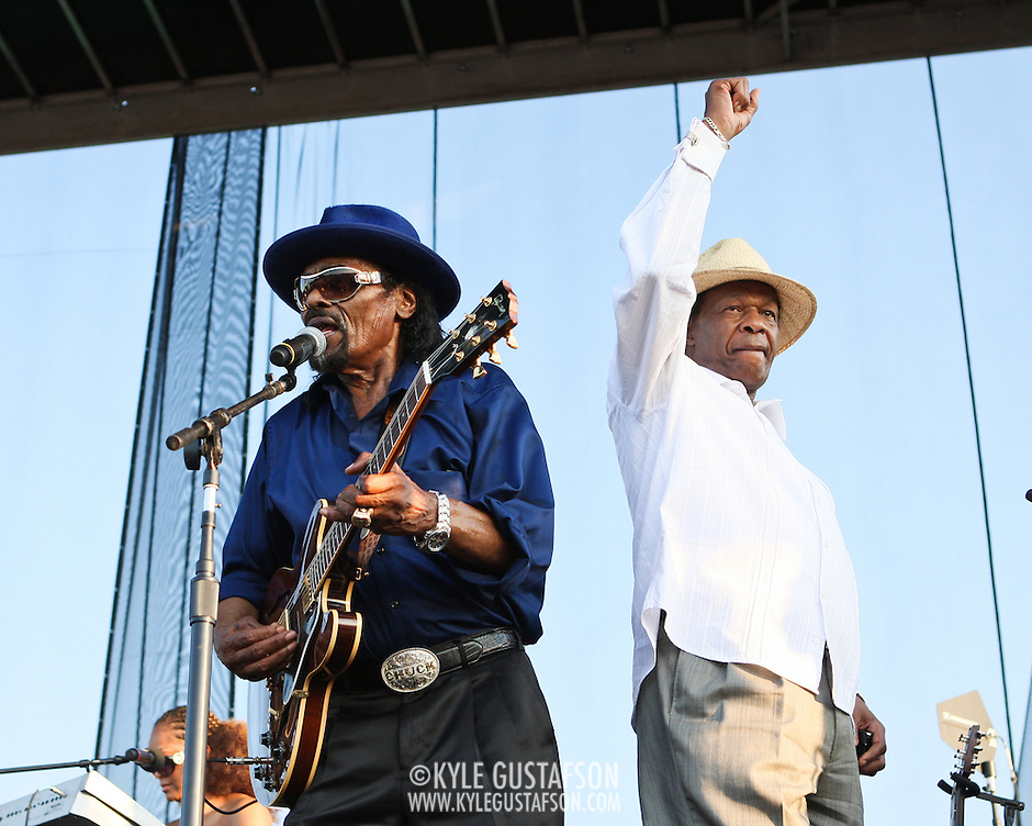 "WASHINGTON, DC -  August 15th, 2009 -  ""Godfather of Go-Go"" Chuck Brown (L) is joined onstage by ""Mayor For Life"" Marion Barry (R) at the Stone Soul Picnic at RFK Stadium in Washington, D.C. (Photo by Kyle Gustafson) (Kyle Gustafson)"