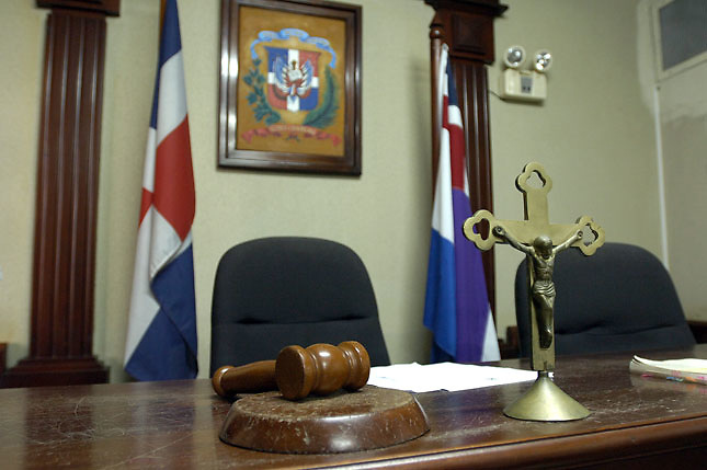 Jueza advierte que con bajos salarios no se imparte buena justicia