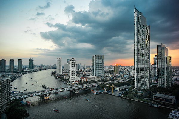 Chao Phraya river, Bangkok, Thailand, looking south from the Shangri-La hotel. November 2015. Photograph ©2015 Darren Carroll (Darren S Carroll)