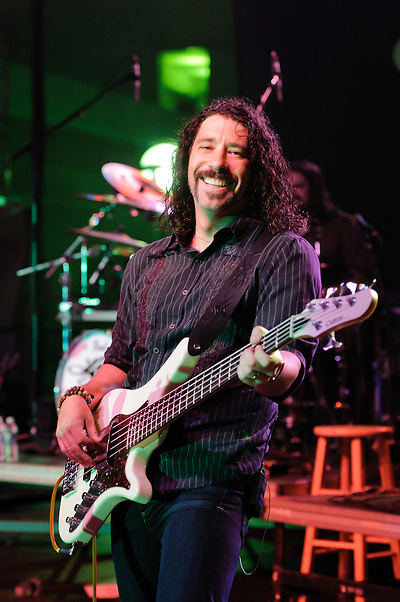 Bassist Michael Jeffers (Jon Diener)