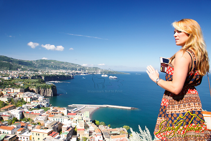 "Vicktoria Grimmy, Sorrento Italy. Victoria capturing an image of a great view of the Mediterranean Sea (© Daryl Hunter's ""The Hole Picture""/Daryl L. Hunter)"