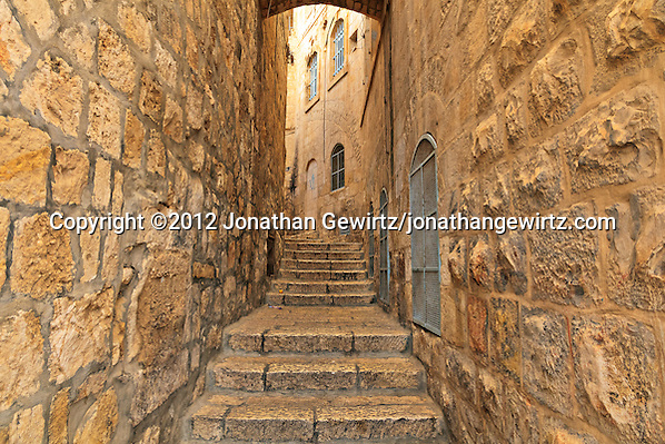 A narrow street in the Jewish Quarter of the Old City of Jerusalem. (&copy; 2012 Jonathan Gewirtz / jonathan@gewirtz.net)