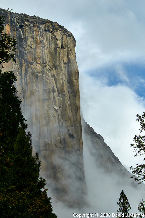El Capitan in Yosemite Valley on a stormy autumn day with low clouds. Image taken with a Nikon D300 camera and 80-400 mm lens (ISO 200, 80 mm, f/11, 1/800 sec). (David J Mathre)