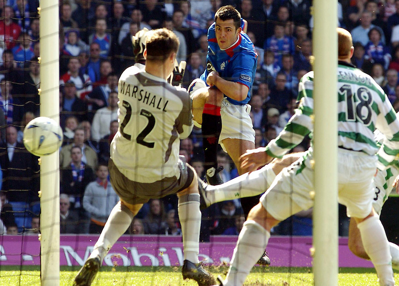 24TH APRIL 2005, RANGERS V  CELTIC AT IBROX STADIUM, GLASGOW, STEVEN THOMPSON SCORES FOR RANGERS, ROB CASEY PHOTOGRAPHY. (ROB CASEY/ROB CASEY PHOTOGRAPHY)