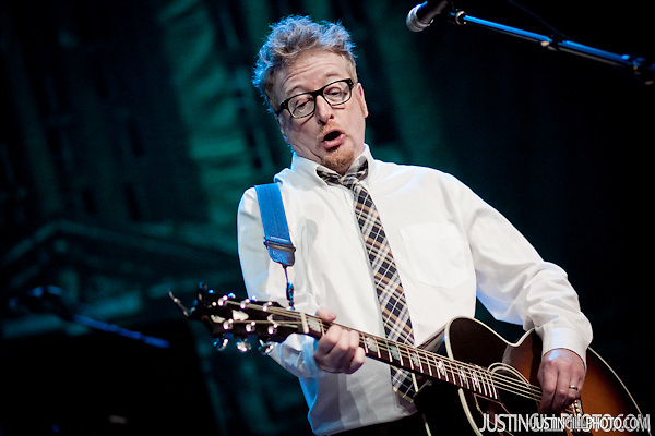 Dave King Flogging Molly concert live @ Congress Theater Chicago (Justin Gill)
