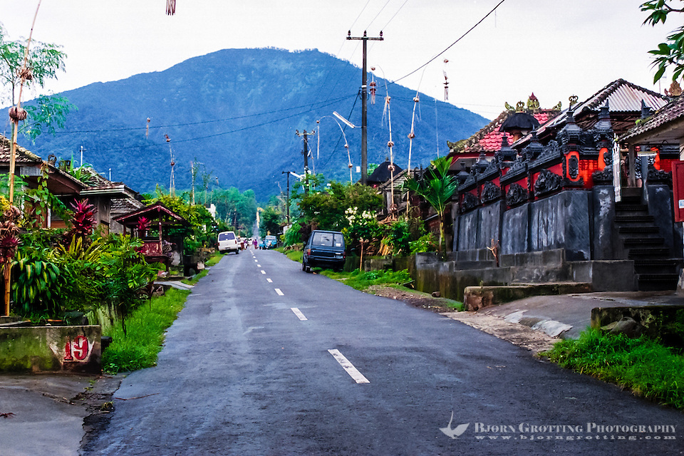 Bali, Tabanan, Batukau. A small village located high up on the southern slopes of Gunung Batukau. The mountain was not visible this day. (Photo Bjorn Grotting)