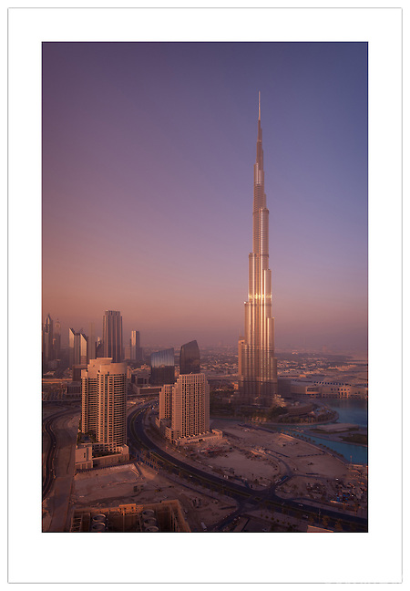 Burj Khalifa and the Dubai skyline  ( 2012 Ian Mylam)