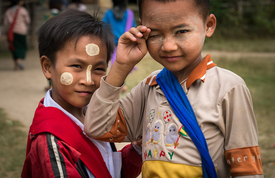 INLE LAKE, MYANMAR - CIRCA DECEMBER 2013: Burmese kids in the Sankar village (or Samka ). A small village located in the south of Inle Lake. (Daniel Korzeniewski)