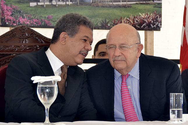 Leonel Fernández y Carlos Morales Troncoso.