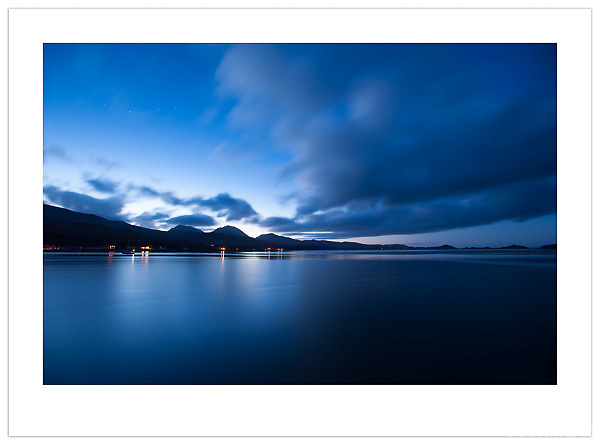 Dusk falls over the Isle of Jura, Scotland (Ian Mylam/© Ian Mylam (www.ianmylam.com))