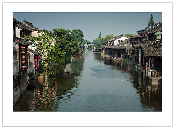 A tranquil waterway in Xitang, Zhejiang, China (Ian Mylam/ Ian Mylam (www.ianmylam.com))