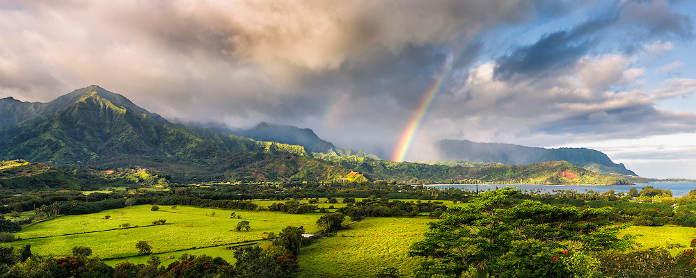 Morning at Hanalei Bay on Kauai (Doug Oglesby)