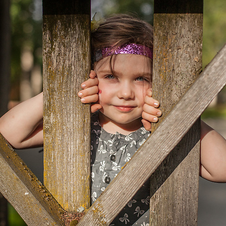 Three year old Olivia Love in Anchorage's South Addition Neigborhood. (© Clark James Mishler)