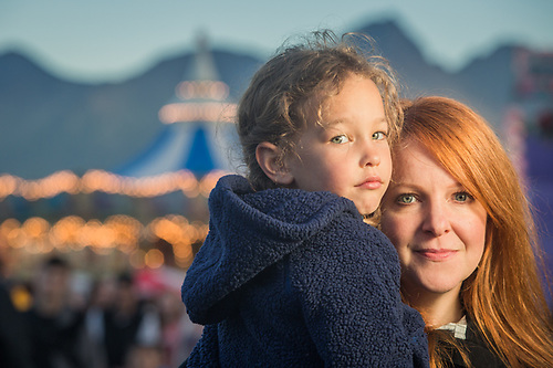 Susan McCauley and her niece Mieka at the Alaska State Fair, Palmer, Alaska (Clark James Mishler)
