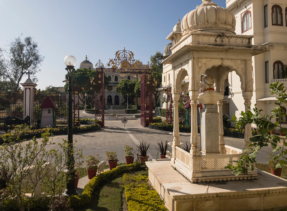 UDAIPUR, INDIA - CIRCA NOVEMBER 2016: Gardens of the City Palace in Udaipur (Daniel Korzeniewski)