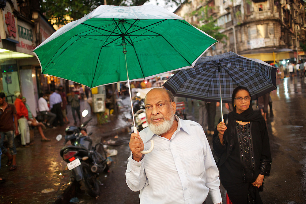 Street scene in Mumbai as the monsoon breaks. Photo: Tom Pietrasik June 3rd 2013 (Tom Pietrasik)
