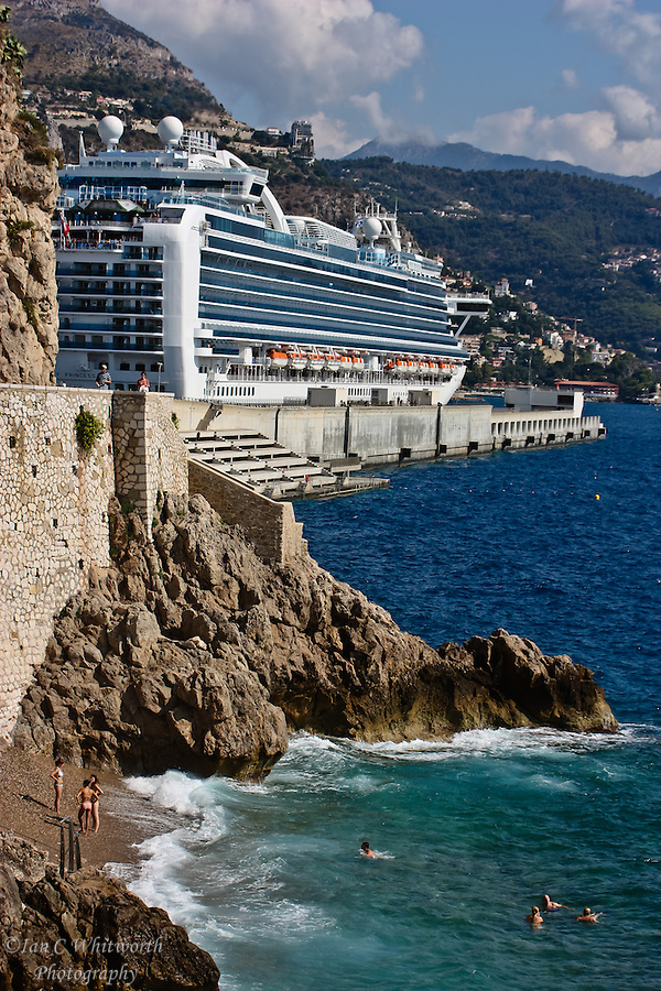 Cruise Ship at port in Monaco (Ian C Whitworth)