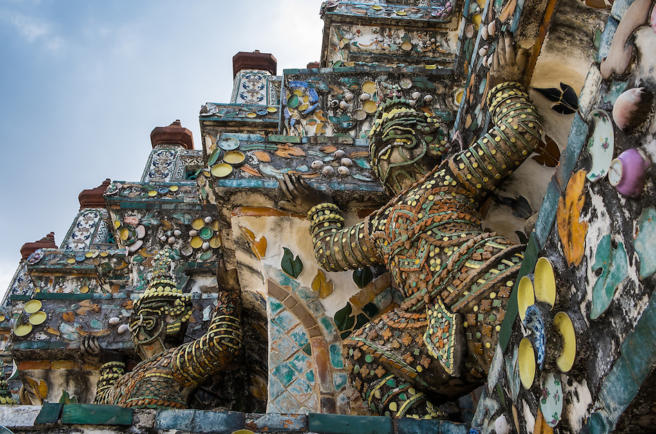 BANGKOK, THAILAND - CIRCA SEPTEMBER 2014: Detail view of Wat Arun, a  popular Buddhist temple in Bangkok Yai district of Bangkok, Thailand, on the Thonburi west bank of the Chao Phraya River (Daniel Korzeniewski)