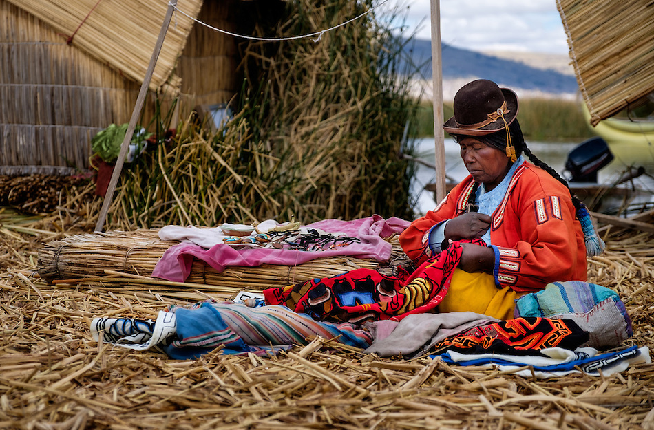 UROS ISLANDS, PERU - CIRCA October 2015: Woman from the Uros Islands in Lake Titicaca. (Daniel Korzeniewski)