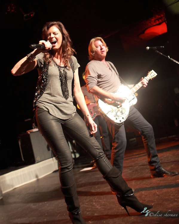 Little Big Town performs in support of &quot;The Reason Why&quot;, August 22, 2011 in Seattle, Washington (Elisa Sherman)